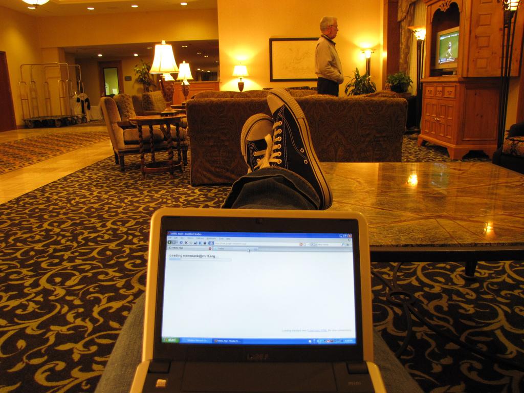 Conectado en la recepción del hotel sin gastarme un duro. Foto cortesía de rogue2408.
