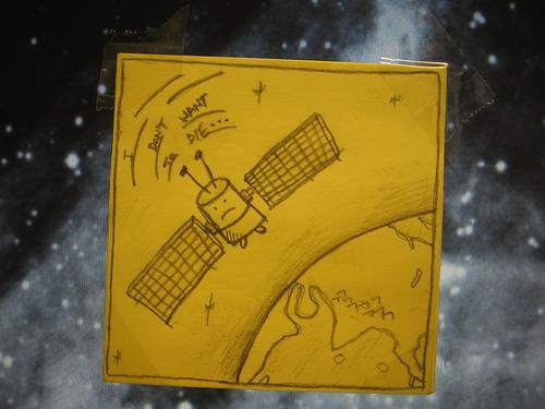 El satélite, preocupado por su futuro. Foto cortesía de Joe Hastings.